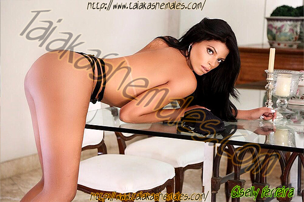 Travesti Giselly Ferreira