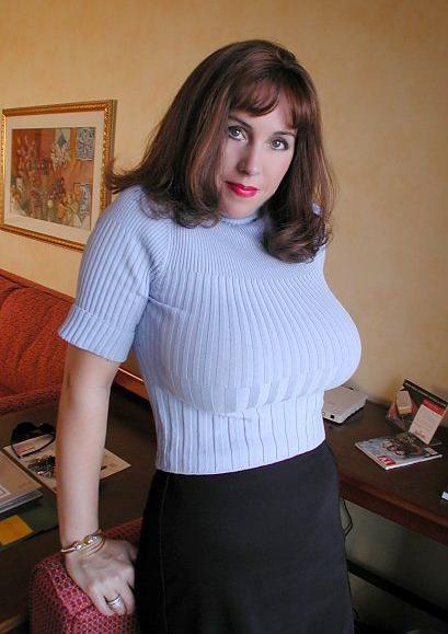 El suéter en mujeres de mucho busto
