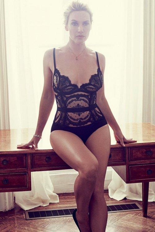 Mujeres famosas con curvas consideradas curvy