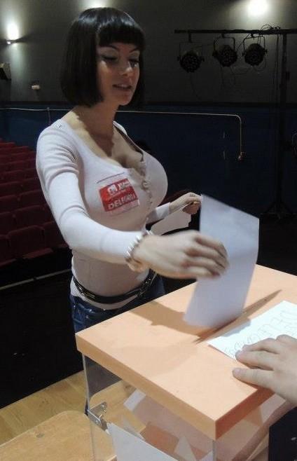 Politica Eva Aizpurúa