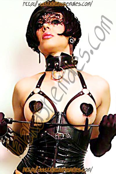 Burlesque Aleika Barros