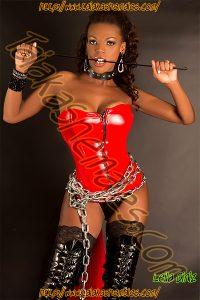 Travesti Leila pantera devoradora.