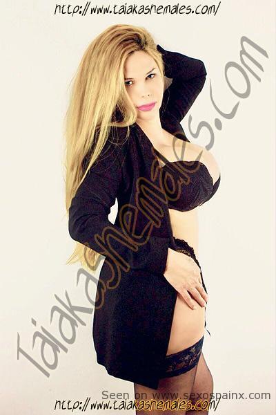 Renata Bambola la travesti de grandes senos en Alicante